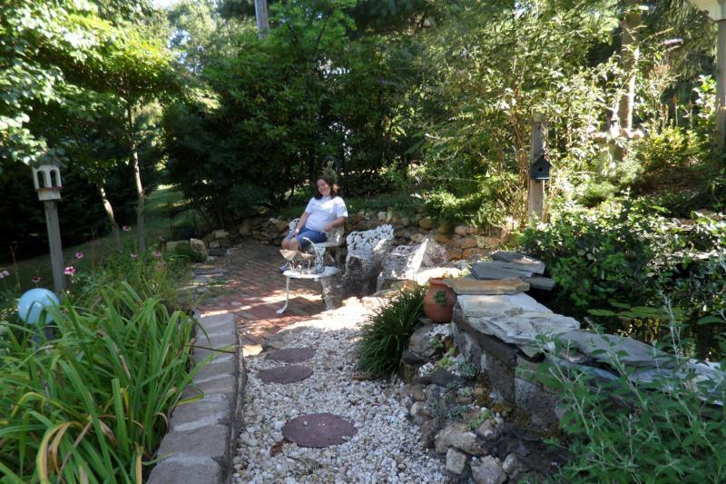 relaxing in the garden_800x533